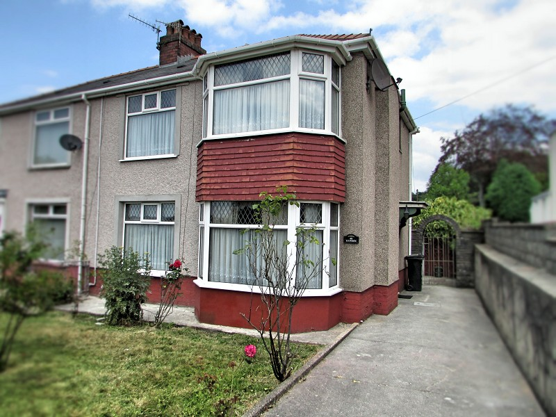 Cimla Road, Neath, Neath Port Talbot. SA11 3TL