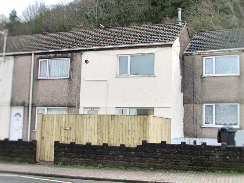 Neath Road, Briton Ferry, Neath, Neath Port Talbot. SA11 2YR