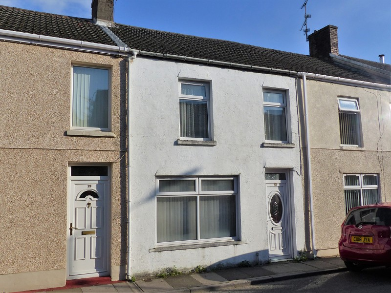 Bridgend Road, Aberkenfig, Bridgend. CF32 9BG