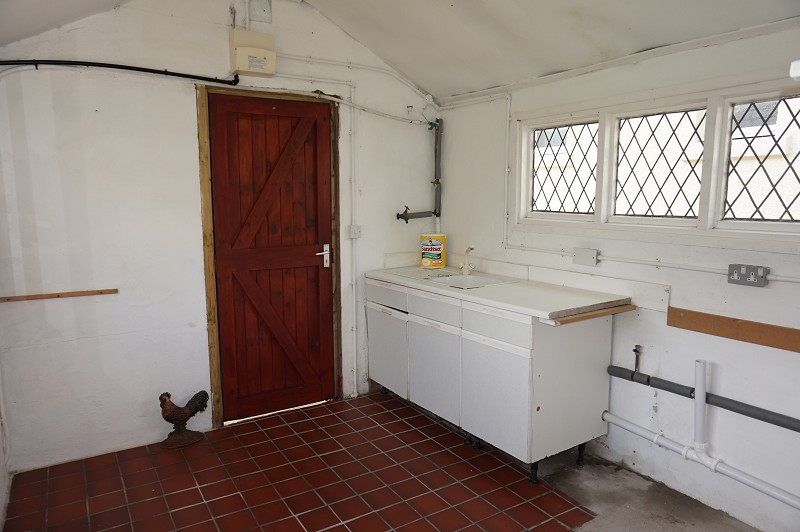 Detached Utility Room/ Store