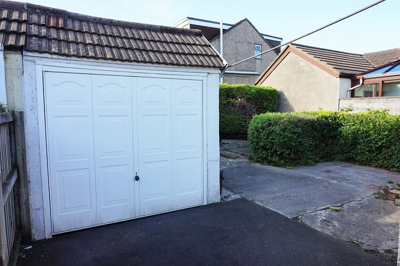 Semi Detached Single Garage